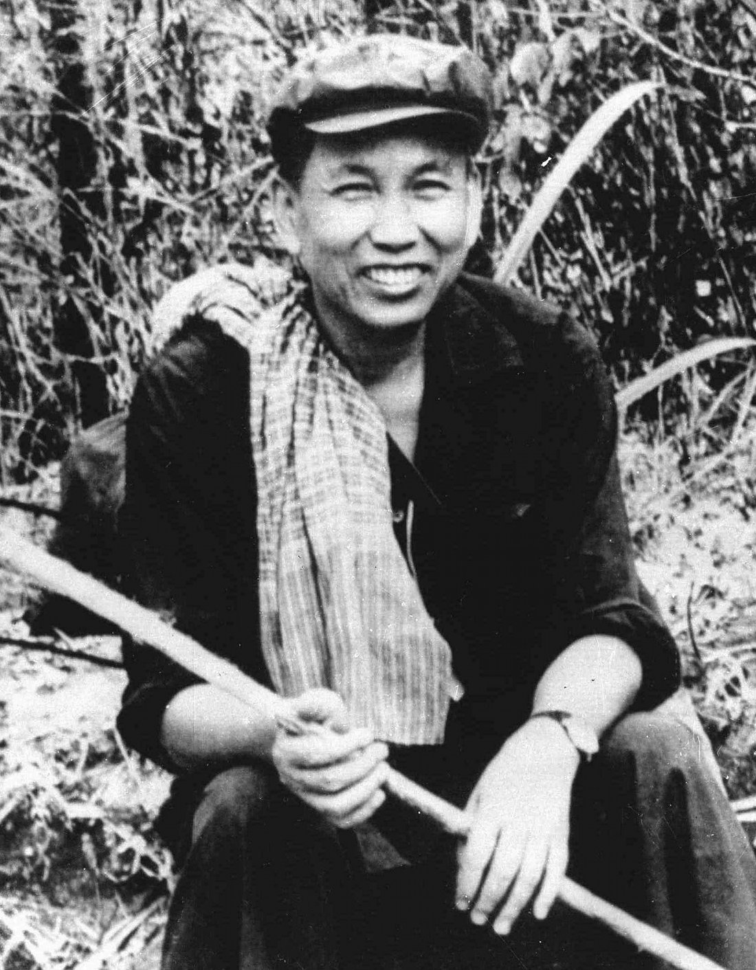 "an essay on pol pot and the khmer rouge Pol pot was the leader of khmer rouge and the group was in charge of the cambodian genocide (""cambodian"") the cambodian genocide started in 1975 and ended in 1978 because khmer rouge was ended by vietnam (""cambodian""."