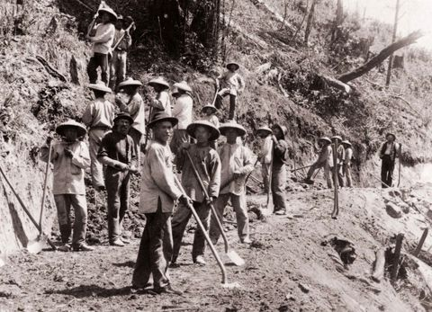 """american industrial worker between 1865 and 1900 essay Unit 1 essays - """"in america, the great issues of the 17th century were largely theological those of the 18th century, largely political"""" evaluate this statement - what role did unfree labor play in colonial american society - from 1600 to 1763, several european nations vied for control of the north america continent why did england win - """"although the thirteen american."""