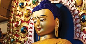 Traditional-Buddha-with-Stretched-Lobes