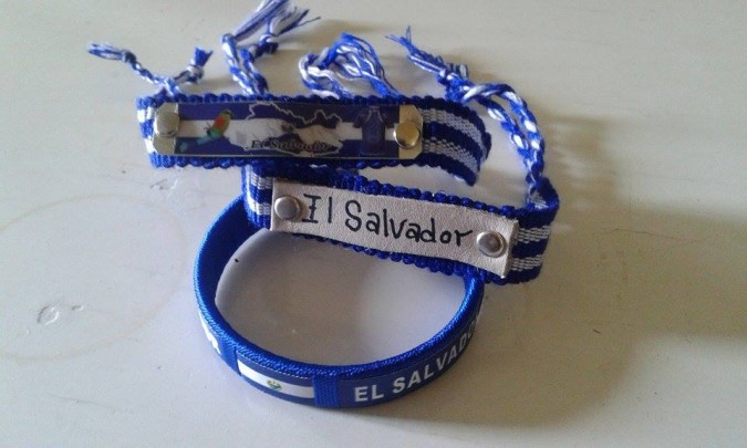 My+father+gave+this+pulsera+to+me+2+years+ago+when+he+visited+from+El+Salvador.