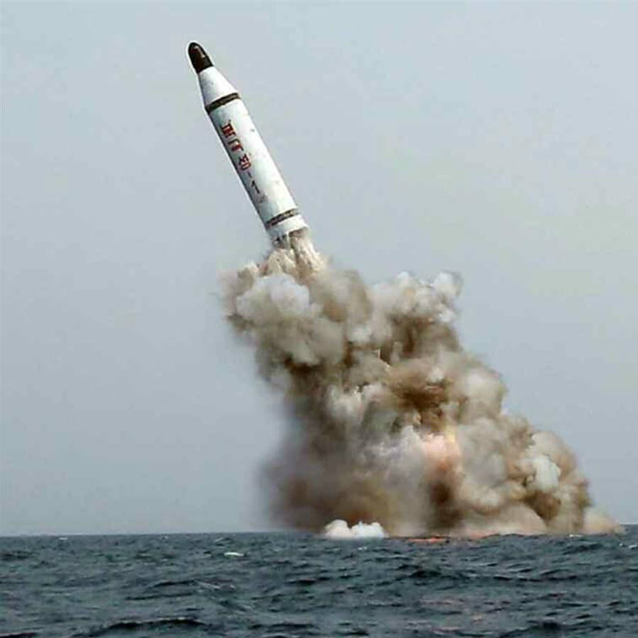 %22North+Korea+Missile+Test+Failed%2C+U.S+will+Strike+if+Necessary%22.