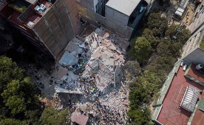 After+the+first+quake+the+Mexican+President+was+criticized+and+now+immediately+following+the+2nd+quake+he+came+to+the+scene+of+this+school+tragedy.