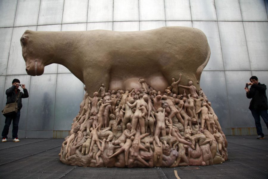 Sculpture+by+Liu+Qiang+titled+%E2%80%9C29h59%E2%80%9959%E2%80%9D+portrays+human%27s+disturbing+addiction+to+milk+of+a+cow%2C+and+what+the+animal+has+to+endure+in+order+to+provide+everyone+with+it.