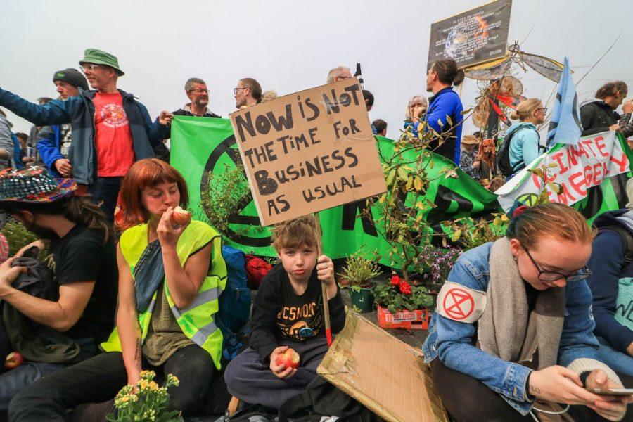 U.K+Protestors+Force+on+Climate+Change